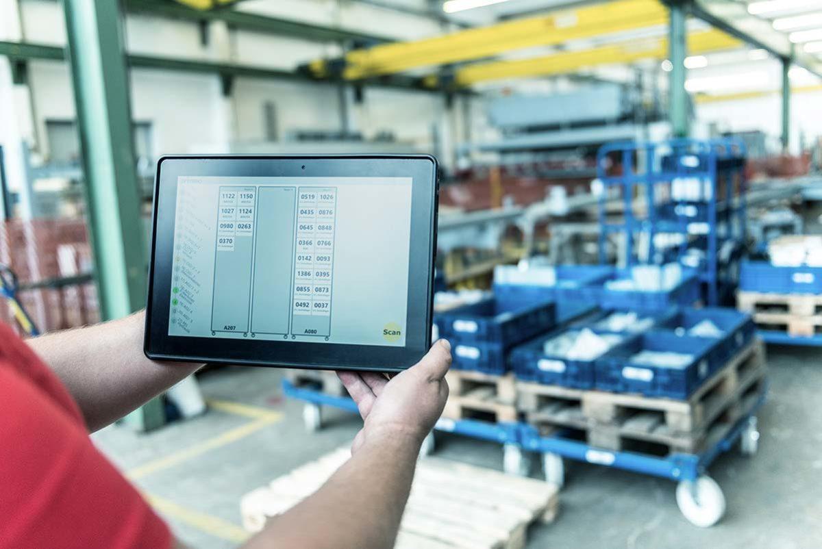 Mobile Device mit der primtec Applikation für den Routenzug bei EVG